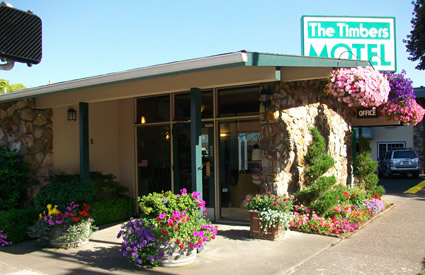 The Timbers Motel - Beautiful Flowers Everywhere! (Courtesy of timbersmotel.net)