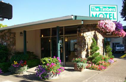 The Timbers Motel - Beautiful Flowers Everywhere! (Courtesy of timbersmotel.net)